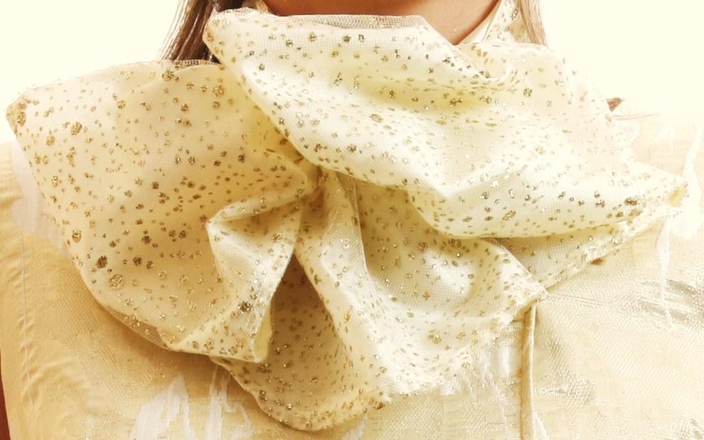 Golden dress 4