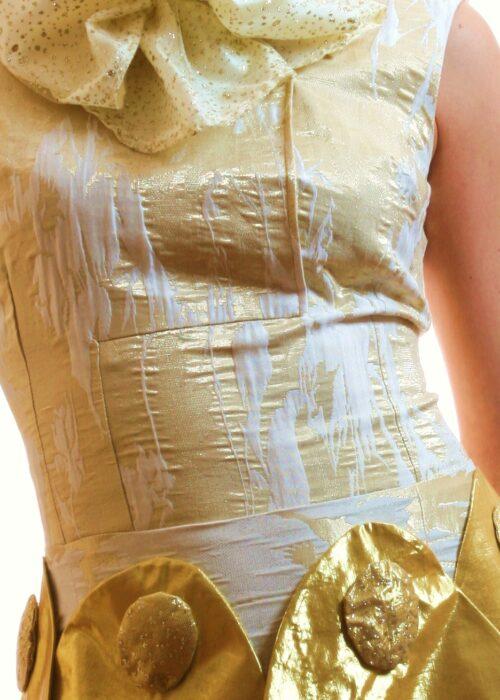 Golden dress 015