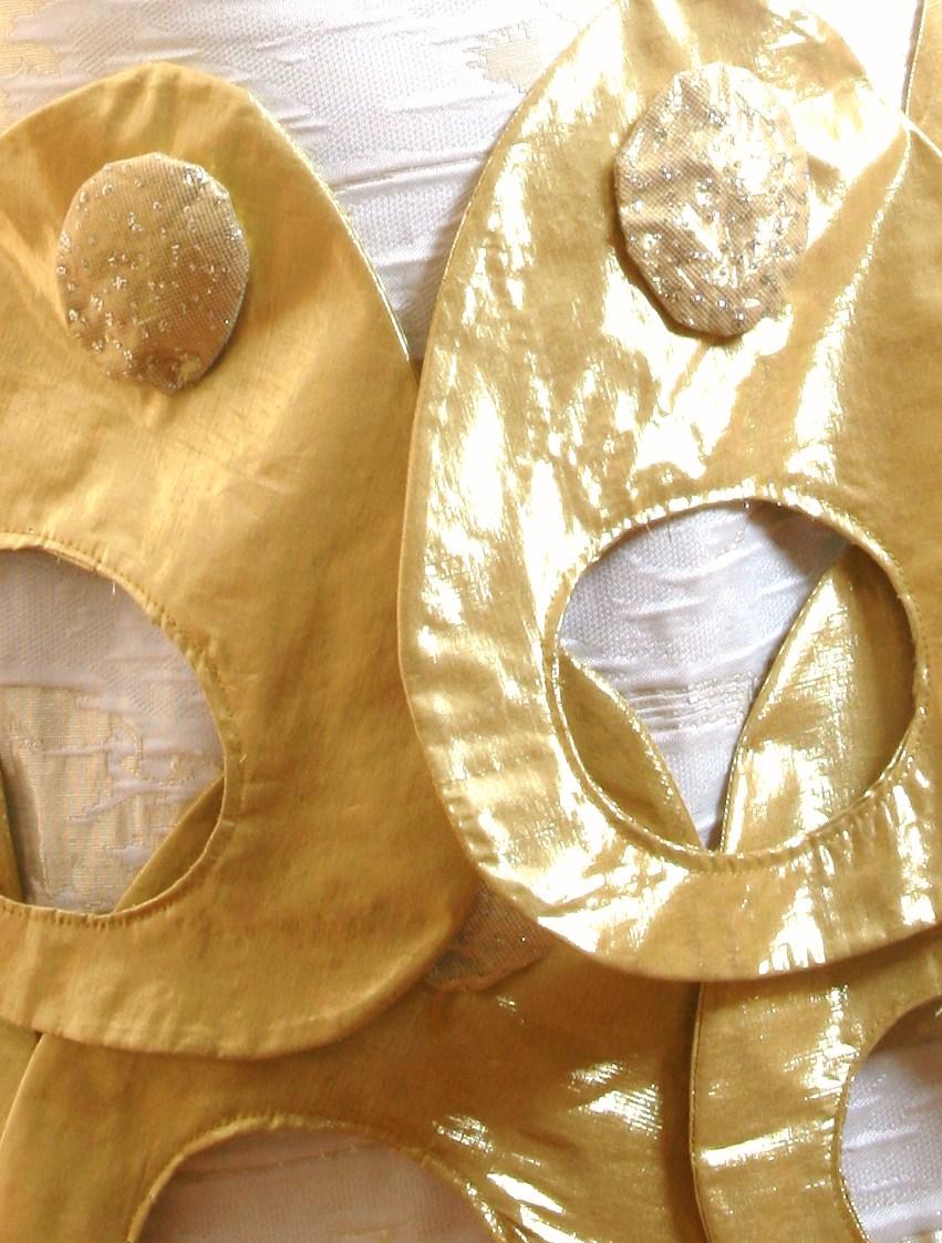 Golden dress 016